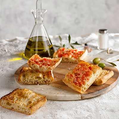 Authentic Bread with Tomato
