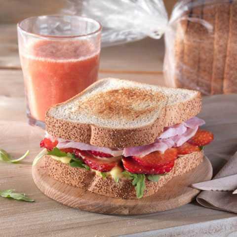 Ham Sandwich with Strawberries and Mango Mayonnaise